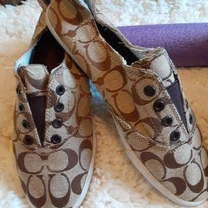 Ladies shoes bn or gently used